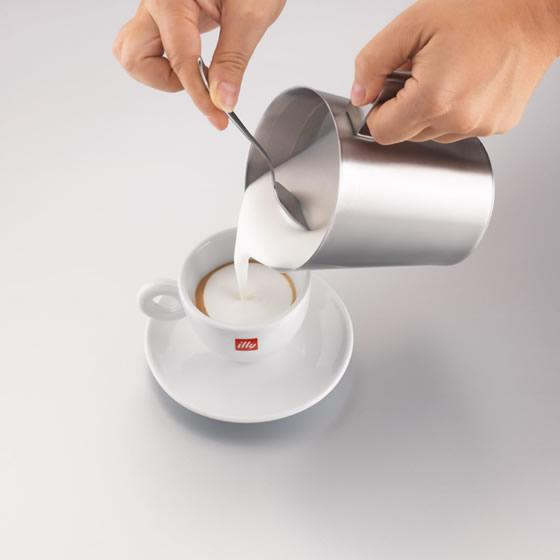 Aparat spuma lapte illy Montalatte Milk Frother 4